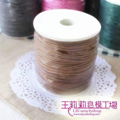 蠟繩-4 咖啡色蠟繩(寬1.5mm)*1卷(100碼 )