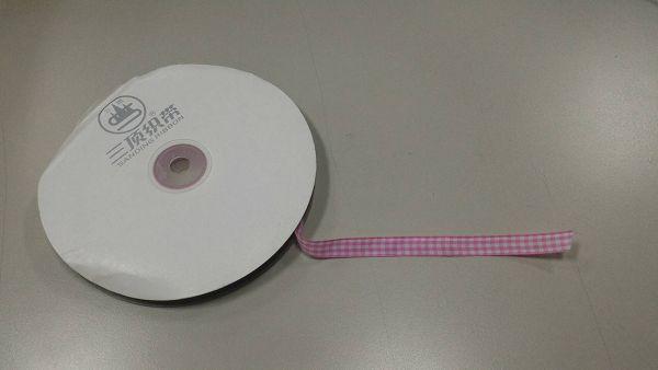 緞帶-18 粉紅格子色緞帶(寬1cm)*1卷(25碼)