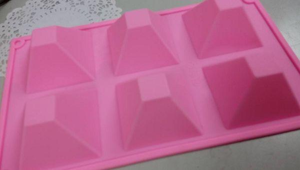 6-115 六孔矽膠模~金字塔*1